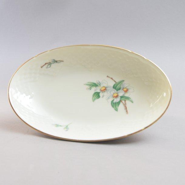Asiet, oval. nr. 39. 22,5 cm. Heimdal. Bing og Grøndahl.
