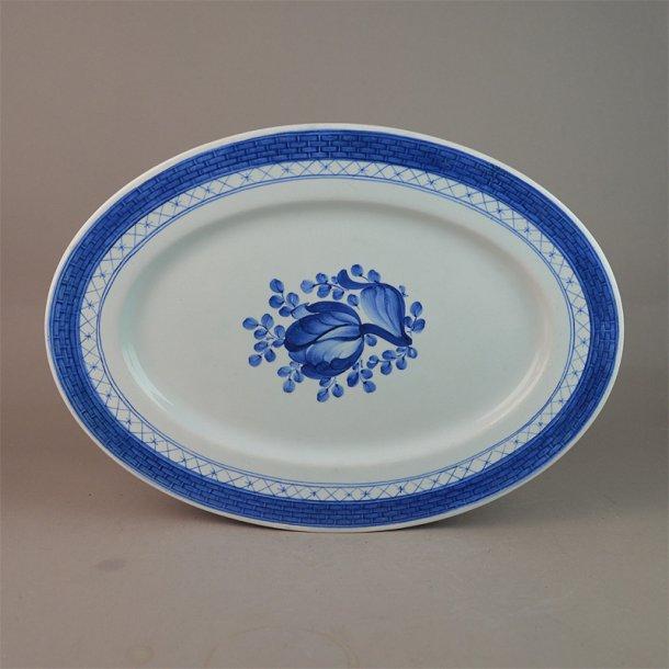 Fad, ovalt. nr. 927. 27,5 cm. Blå Tranquebar.