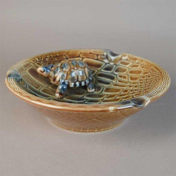 Askeskål med skildpadde. 18,5 cm fra Wade.