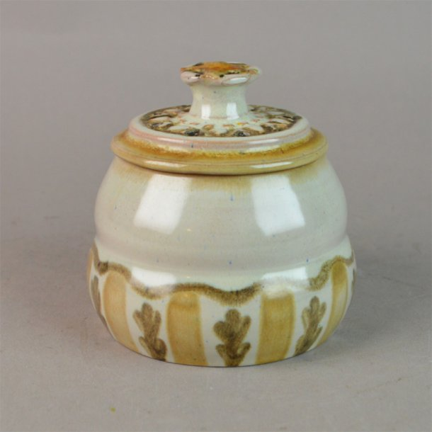 Bonbonniere i keramik. 9 cm. Ukendt oprindelse.