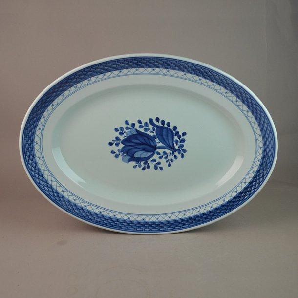 Fad, ovalt. nr. 928. 32 cm. Blå Tranquebar.