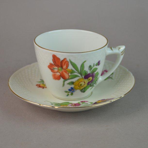 Kaffekop nr. 102. 1,25 dl. Saksisk Blomst Creme.