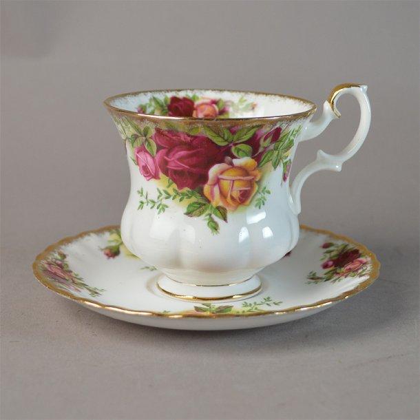 Kaffekop. 2. dele. Landsbyrose fra Royal Albert.