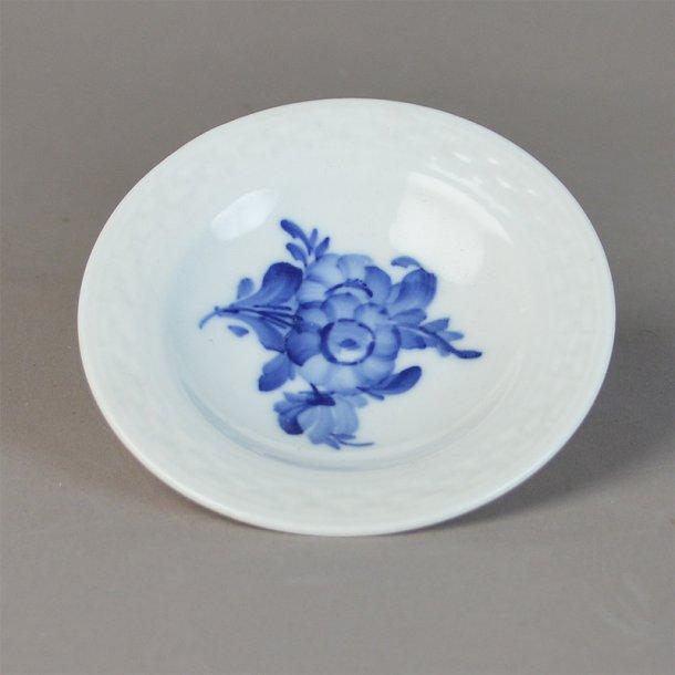 Smørkop. rund. nr. 8180. Blå Blomst, flettet.