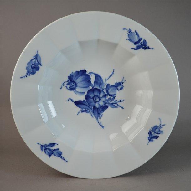Dyb tallerken. nr. 8546. 25 cm. Blå Blomst, kantet.