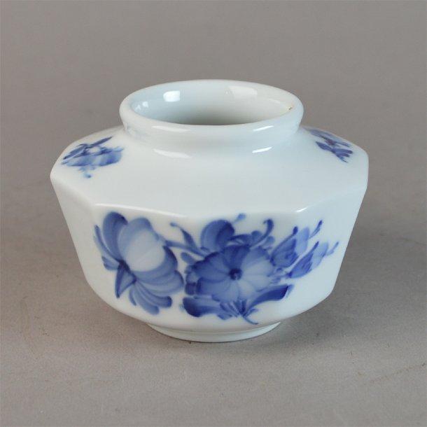 Vase. nr. 8616. 6 cm. Blå Blomst, kantet.