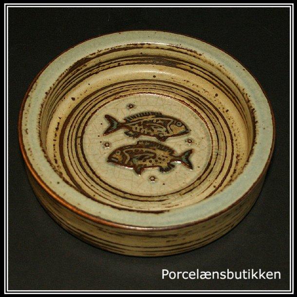 Askeskål med fisk. Royal Copehagen.