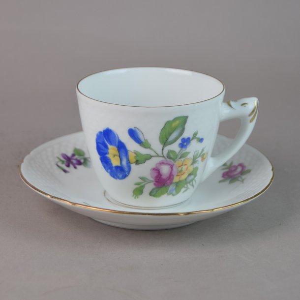 Kaffekop nr. 102. 1,25 dl. Saksisk Blomst, hvid.