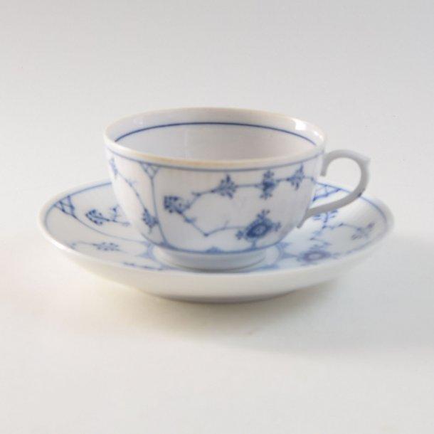 Kaffekop, halvtynd. nr. 465. 100 cl. Musselmalet. Royal Copenhagen.