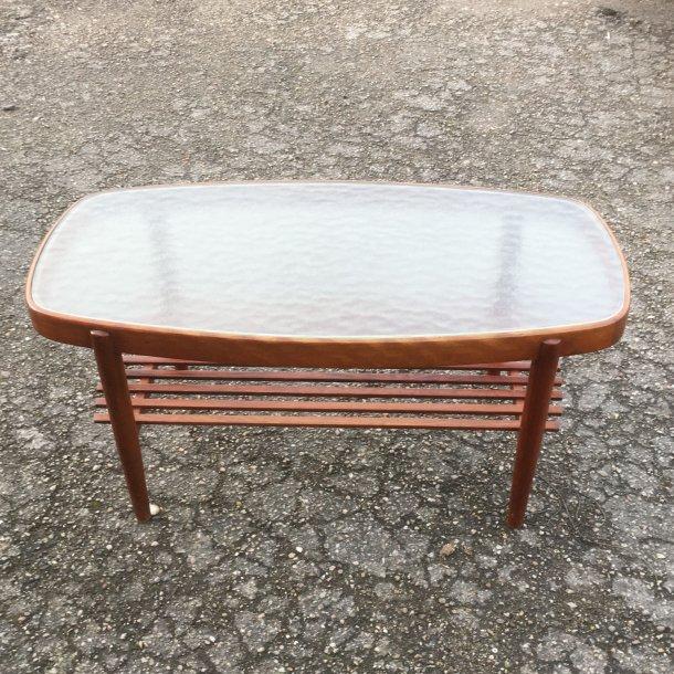 Sofabord i bejdset bøg med glasplade.