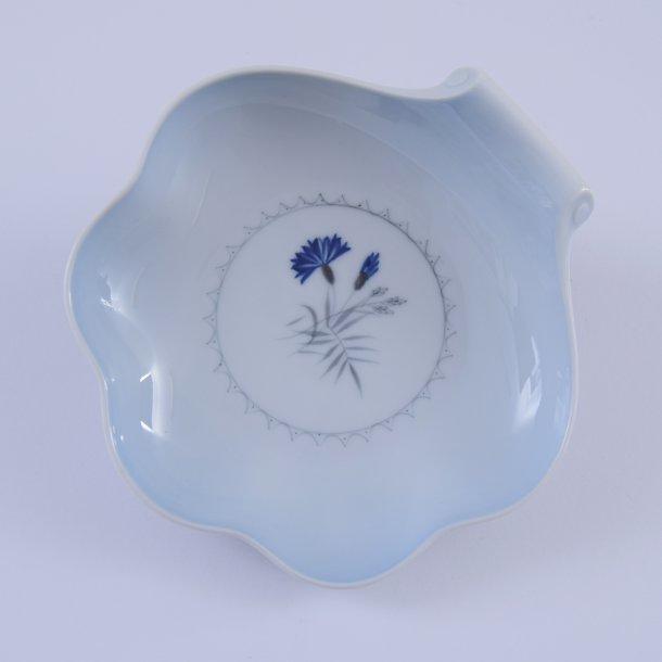 Asiet, musling. nr. 42. 18 cm. Demeter, blå. Bing og Grøndahl.