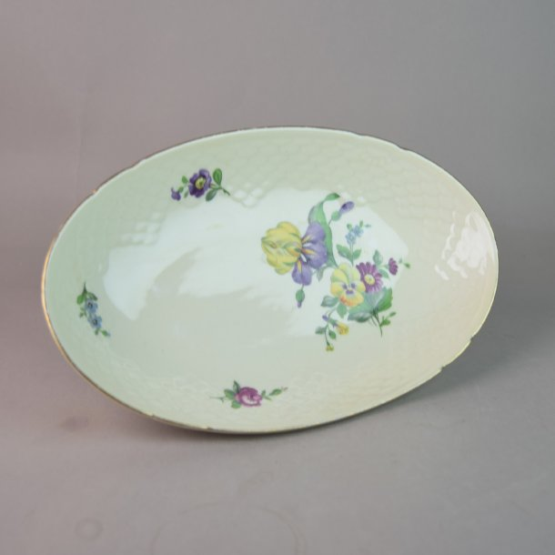 Asiet, oval. nr. 39. 22,5 cm. Saksisk Blomst Creme.